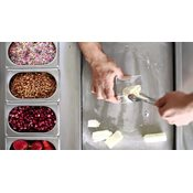 additional image for The Ice N Roll Machine with 15KG Cream & Sorbet Mix